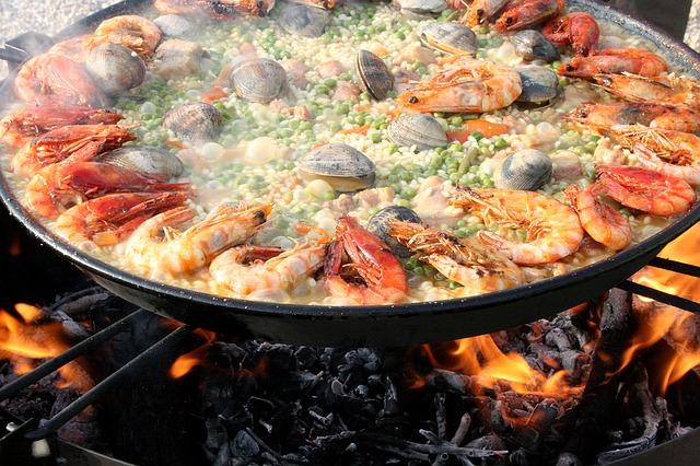 スペインのパエリア 大鍋
