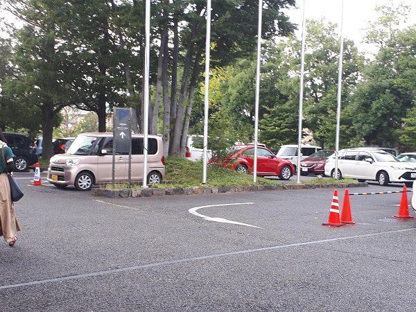 松本市美術館 駐車場