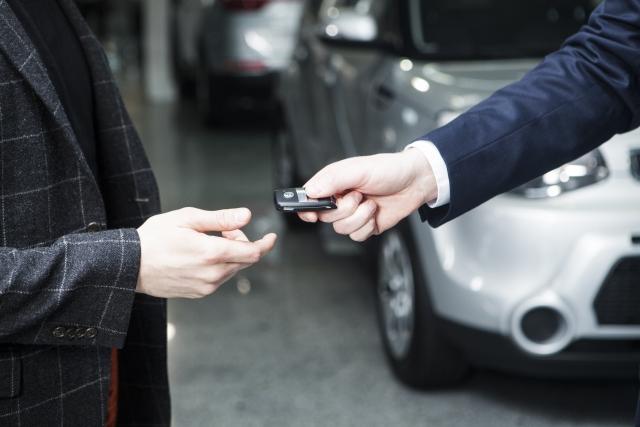 車が高く売れる時期